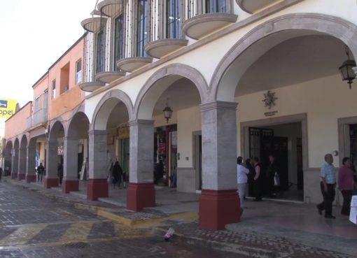Falta de vigilancia y alumbrado público en tianguis de Villagrán