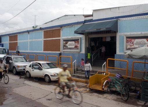 Mercado municipal de Juventino rosas genera ingresos y pero no se atiende