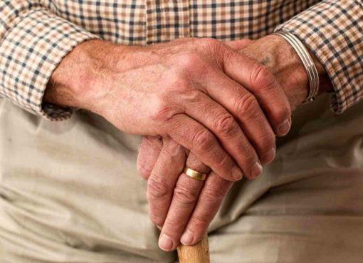 Adultos mayores de Cortazar señalan falta de cobertura en servicios básicos