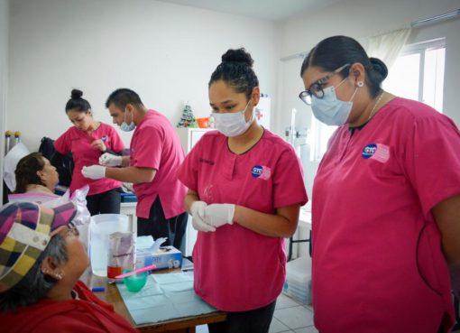 Inicia DIF estatal brigadas dentales para adultos mayores