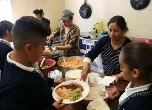 Promueve DIF Salamanca aliemtacion saludable en comedores comunitarios
