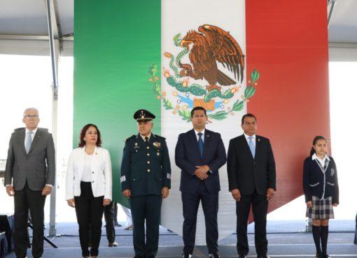 Conmemora Gobernador de Guanajuato Día de la Bandera