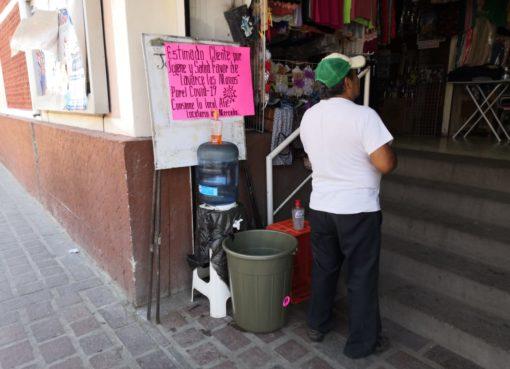Restringen el acceso y refuerzan medidas de higiene en Mercado Constitución.