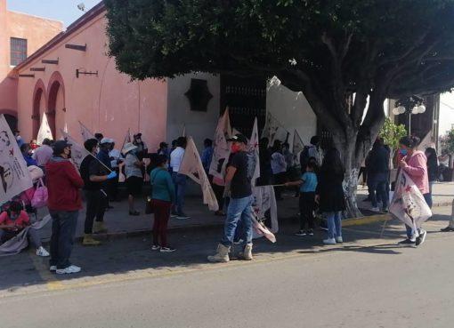 70 comerciantes se manisfestaron para exigir apoyo y apertura de sus negocios en Irapuato