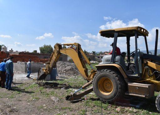 Continúa obra de preparatoria en la comunidad de San José Agua Azul en Apaseo el Grande