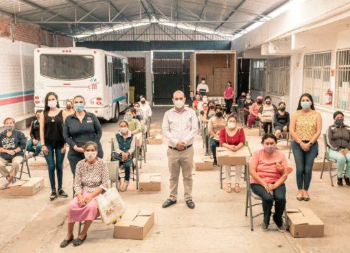 Entrega alcalde de Cortazar despensas con apoyo de Fundación Nutrición y Vida A.C.