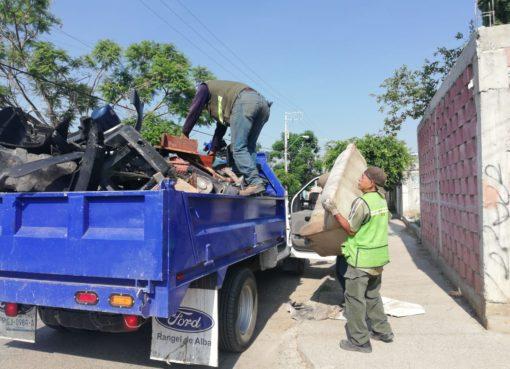 Recolectan casi dos toneladas de cacharros con campaña contra el dengue en Silao