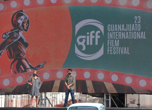 Disfrutan niñas y niños autocinema en Irapuato como parte de las actividades del GIFF