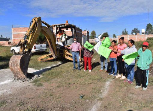 Inician obras de ampliación de drenaje en la colonia Tierra y Libertad de Apaseo el Grande