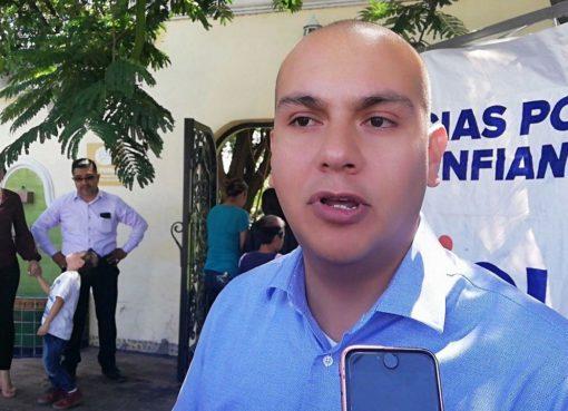 Ariel Corona buscará la relección de alcaldía en Cortazar