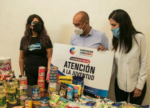 Coordinación de juventud entrega donativo a comedor comunitario de DIF Cortazar