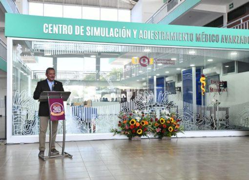 Autoridades municipales de Irapuato reconocen al personal médico en su día