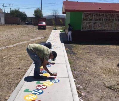 Rehabilitan espacios deportivos en Apaseo el Alto