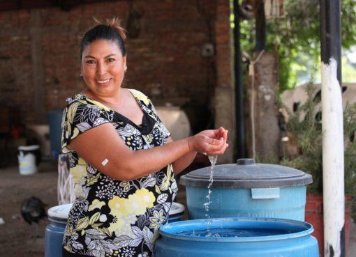 CEAG entrega pipa con 10 mil litros de agua potable para San Francisco del Rincón