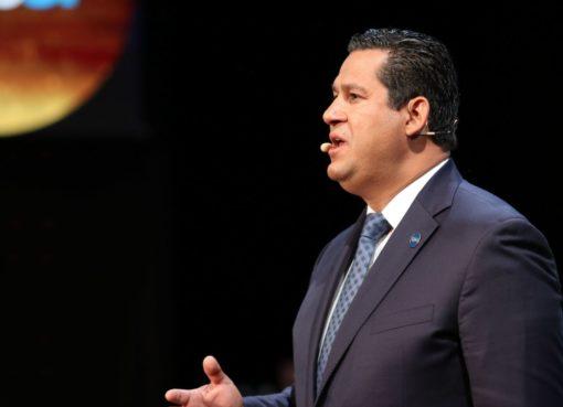 Gobernador de Guanajuato entregó escrituras a habitantes de la comunidad de Aguas Buenas