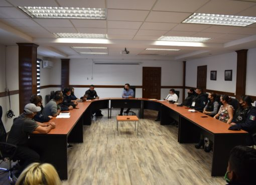 Dan seguimiento a peticiones de Policías Municipales en Apaseo el Grande