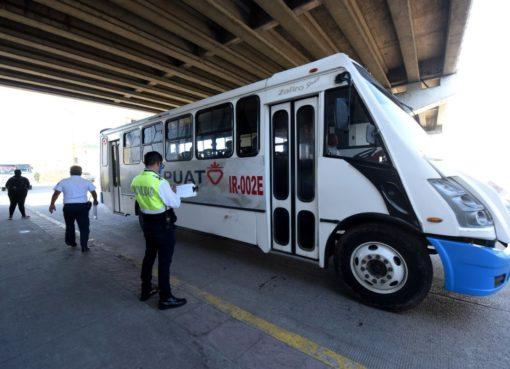 Operadores de transporte público relajan medidas antiCovid-19 y se contagian