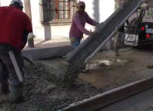 Entregan pavimentación de calle El Rosario en Apaseo el Grande