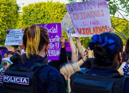 Amnistía internacional investiga el actuar de policías de León en marcha feminista del 22 de agosto