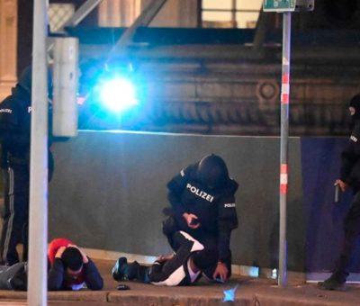 Inicia en Viena búsqueda de al menos un sospechoso por atentado que dejó dos muertos