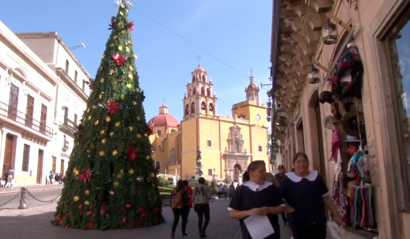 Llaman a adornar la ciudad en diciembre y conmemorar a los médicos