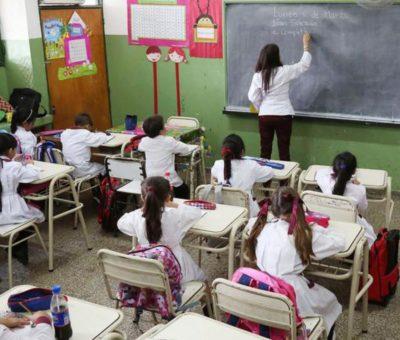 Cuestionan maestros regreso presencial a clases