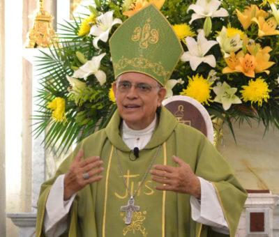 Multas y encarcelamiento se volvieron necesarias ante la apatía de no usan cubrebocas dijo Obispo de Celaya