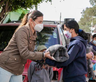 Superan apoyos de entrega de cobijas en DIF Cortazar