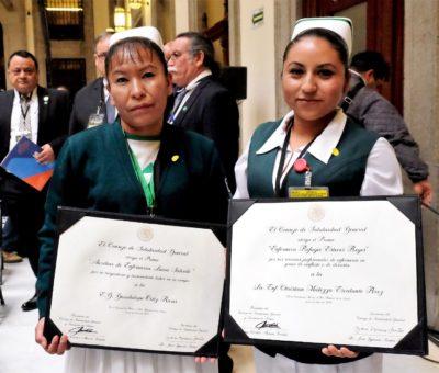 Entregan Premios al Mérito a médicos y enfermeras