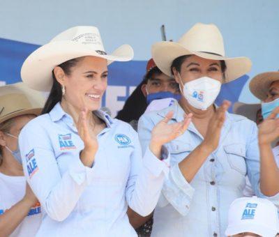 Cierra Ale Gutiérrez campaña en zona rural; promete trabajar en equipo con los leoneses