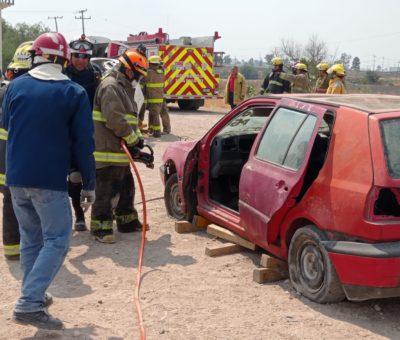 Refuerzan capacitación en rescate de personas en accidentes viales
