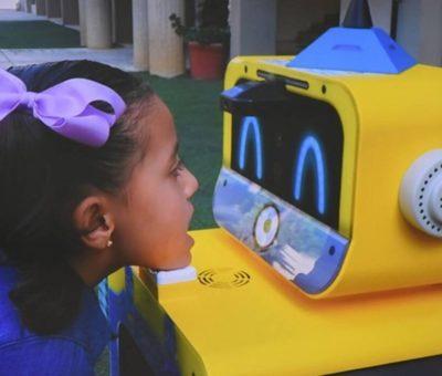 Escuelas usan robot para detectar COVID-19 en alumnos