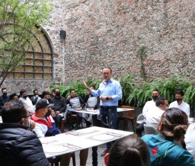Mantiene Luis Alberto Villareal García diálogo con el sector productivo del municipio