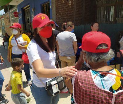 Candidata del Partido del Trabajo en León  recorre colonias para dar a conocer sus propuestas