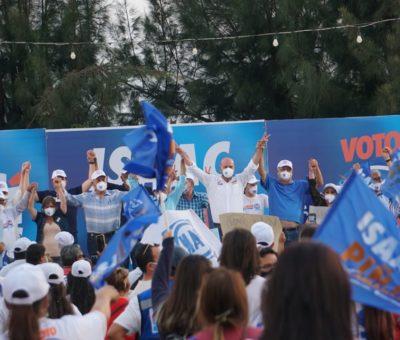 Isaac Piña recibe muestras de apoyo en cierre de campaña en la comunidad de Cárdenas