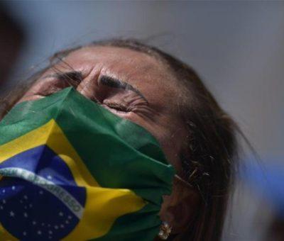 País sudamericano advierte sobre posible tercera ola de covid-19 ante demora en vacunación y variante india