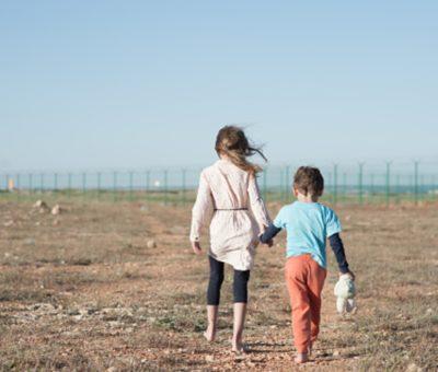 Piden a Biden agilizar reunión de niños migrantes en el Día de las Madres